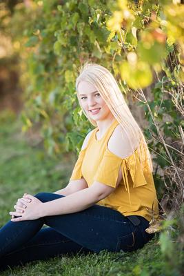 Sigourney-Iowa-Senior-Photographer